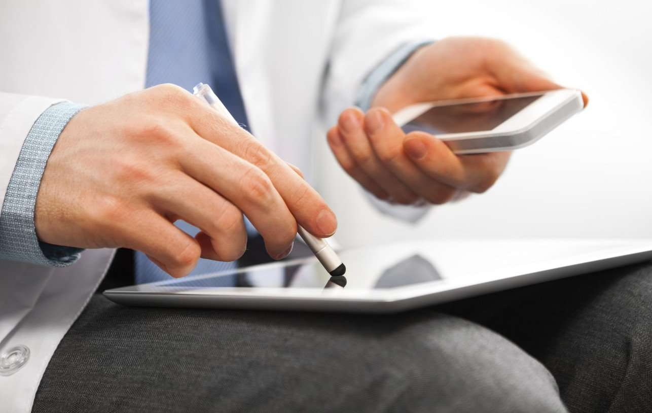 HEALTH-CARE-TECHNOLOGY-facebook